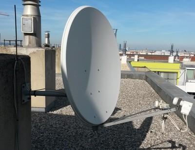 Installation Montage einer Satellitenanlage